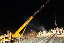 Bahn-Behelfsbrücke demontiert