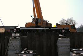 Neubau der Innbrücke in Marktl (2) Montage des Vorbauschnabels